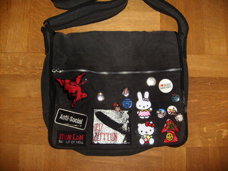Imaginary Karin - black canvas bag