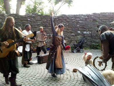 medieval musical performance