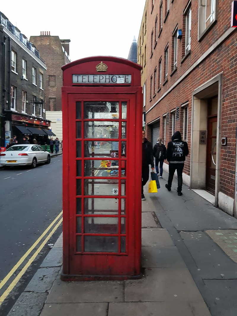 Classic red telephone booth in London