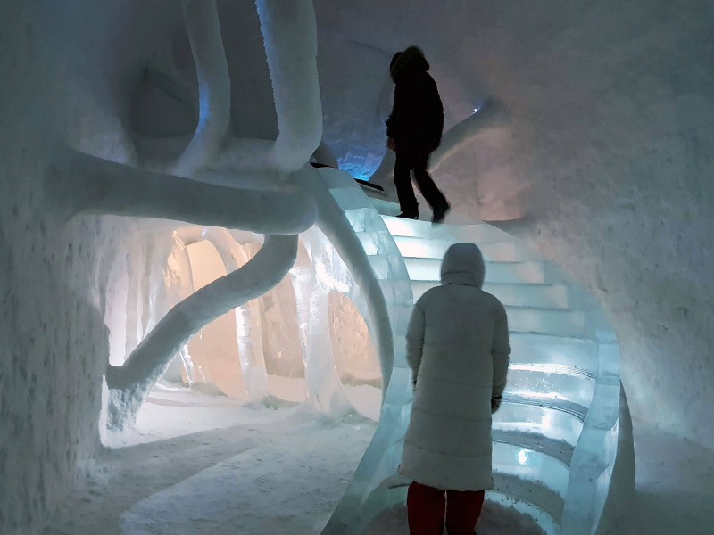 Snowy staircase in Icehotel