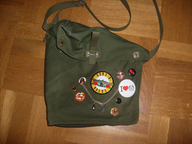 Imaginary Karin - army bag