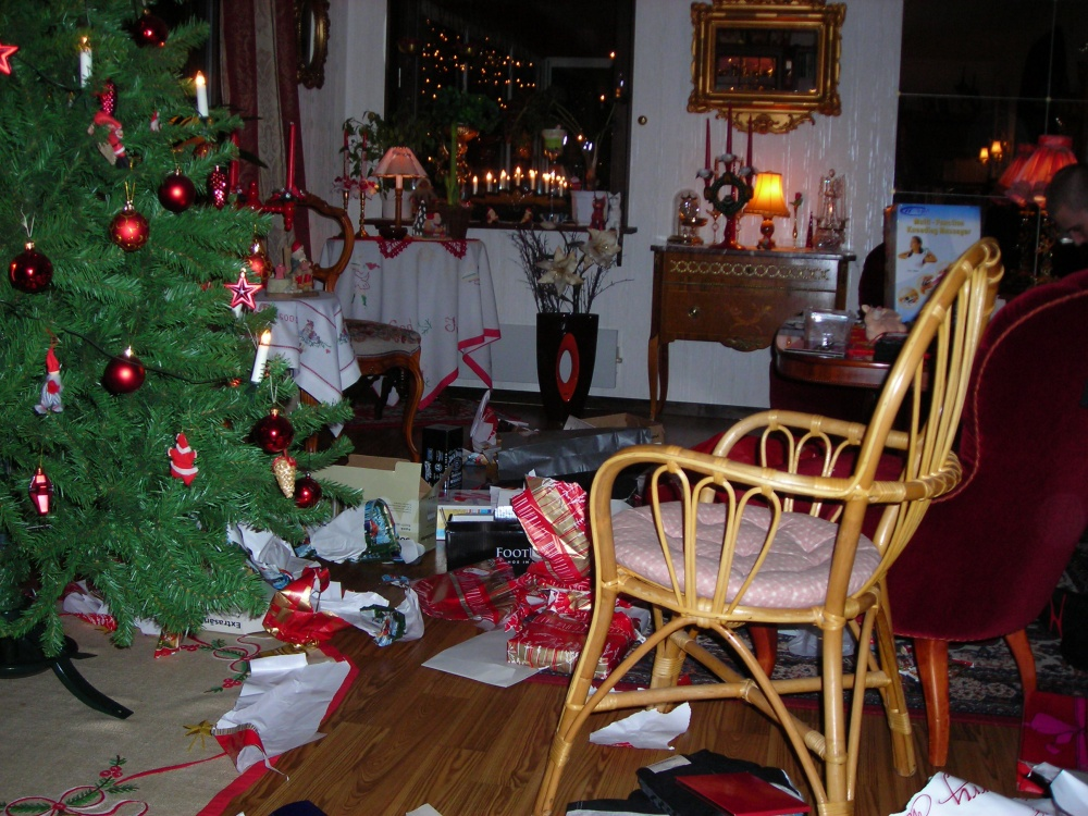 Imaginary Karin - Christmas 2009 mess
